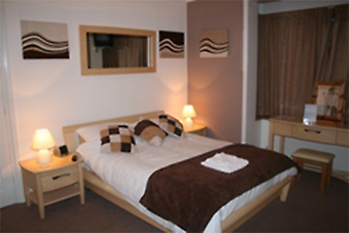 Triple en-suite room